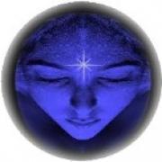 paranormaal medium May Kensley - beschikbaar